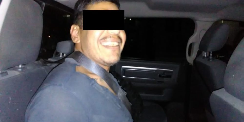Lo acusaron de allanamiento de morada, lo detienen y agrede a un policía