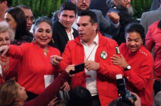 Gobernador de Campeche va por dirigencia del PRI
