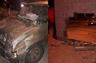 En Aguascalientes: Mujer choca contra barda, su camioneta se quedó sin frenos