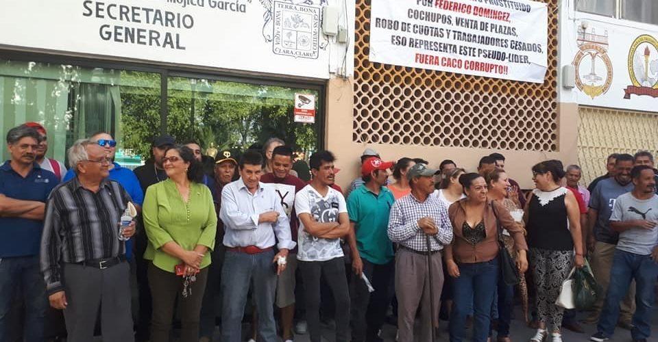 Toman instalaciones del SUTEMA, trabajadores exigen renuncia de Federico Domínguez