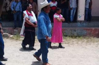 Visten de mujer a alcalde en Chiapas por incumplir promesas de campaña
