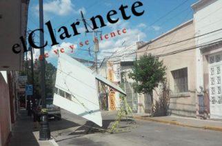 Cae espectacular en calle de la zona centro en Aguascalientes