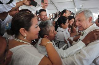A 1 año del triunfo: Dos terceras partes de la población respaldan a AMLO