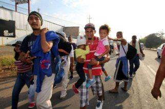 Migrantes se refugian contra el inicio de las redadas de Donald Trump