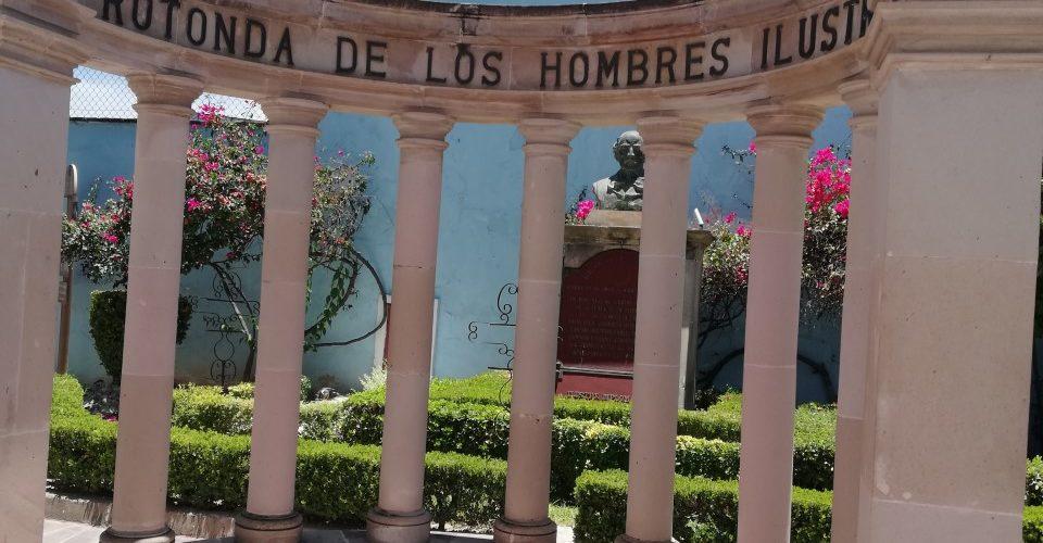 Rotonda de Personas Ilustres en Aguascalientes:  Sin mujeres y sin infraestructura adecuada