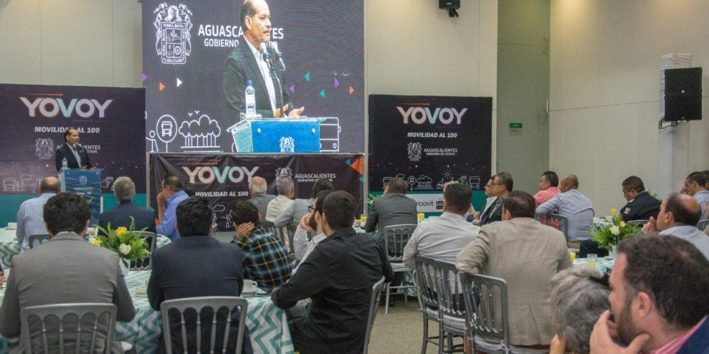 Martín Orozco presenta ante arquitectos Proyecto de Movilidad
