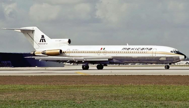 AMLO no descarta adquisición de Mexicana de Aviación