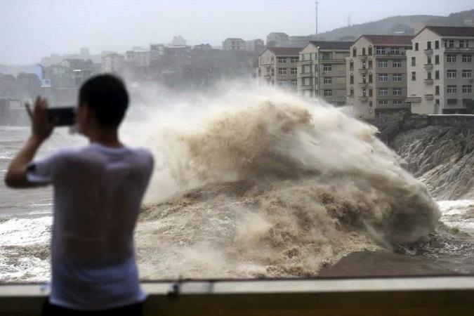 Tifón deja 18 muertos en China