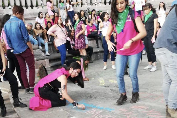En Aguascalientes se manifiestan mujeres contra actuar de policías