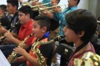 """Niños de la orquesta """"Compáz"""" celebran su segundo aniversario"""