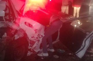 Veloz conductor choca contra taxi y deja dos lesionados en Aguascalientes
