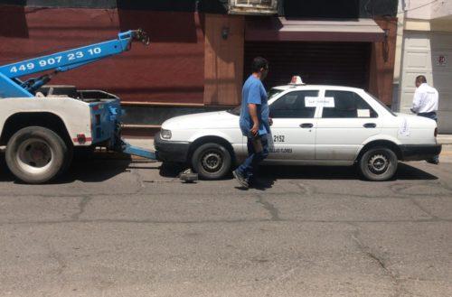 Revisan más de 3 mil taxis en Aguascalientes