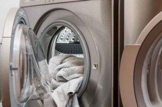 Niño muere al quedar atrapado por horas en una lavadora