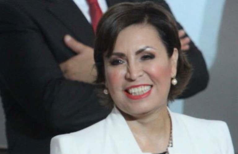 Por no pagarles, Rosario Robles se queda sin abogados
