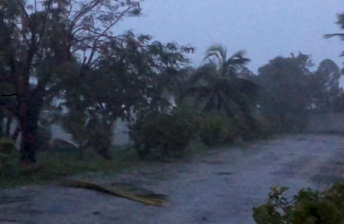 Huracán Dorian deja a su paso por las Bahamas cinco muertes