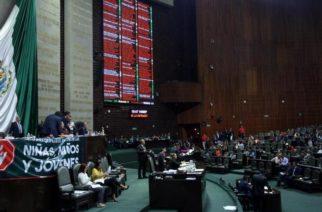 Diputados aprueban la Ley General de Educación