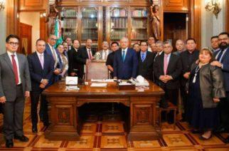 En el gobierno de AMLO líderes evangélicos cobran como servidores públicos