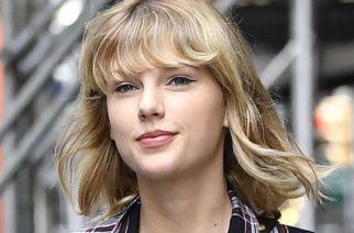 Taylor Swift se abre la falda y enseña lo que hay debajo