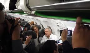 Piloto le pide a AMLO en pleno vuelo que retome proyecto de aeropuerto en Texcoco