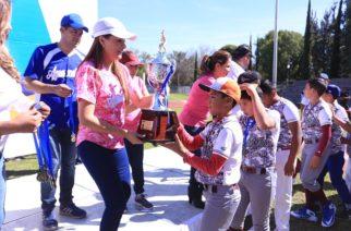Premian a ganadores de torneos de beisbol y softbol infantil en el MuniAgs