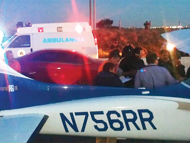 Piloto de Aguascalientes aterriza avioneta de emergencia con fajos de billetes