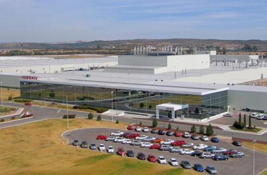 Incertidumbre por TLCAN 'enfría' planes de la industria automotriz