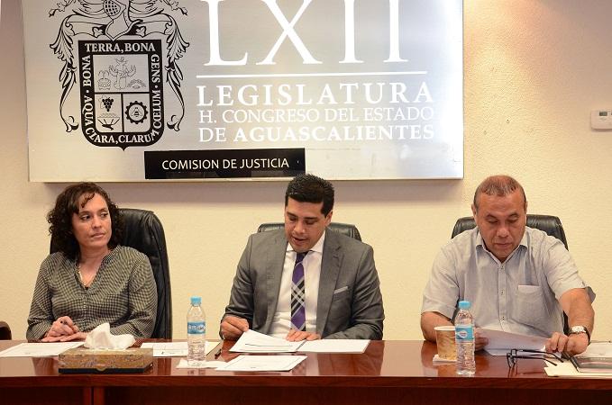 Actas de nacimiento sin costo en trámites de pensión alimenticia y ampliar la custodia compartida, propone Leonardo Montañez