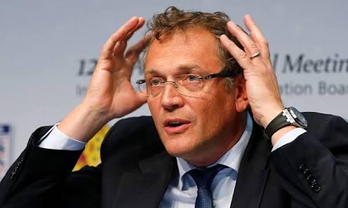 FIFA suspende 12 años a Valcke