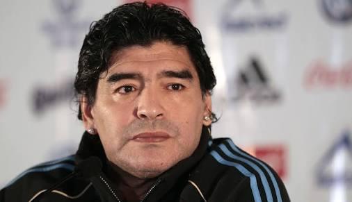 Maradona sacó del hoyo a Trezeguet
