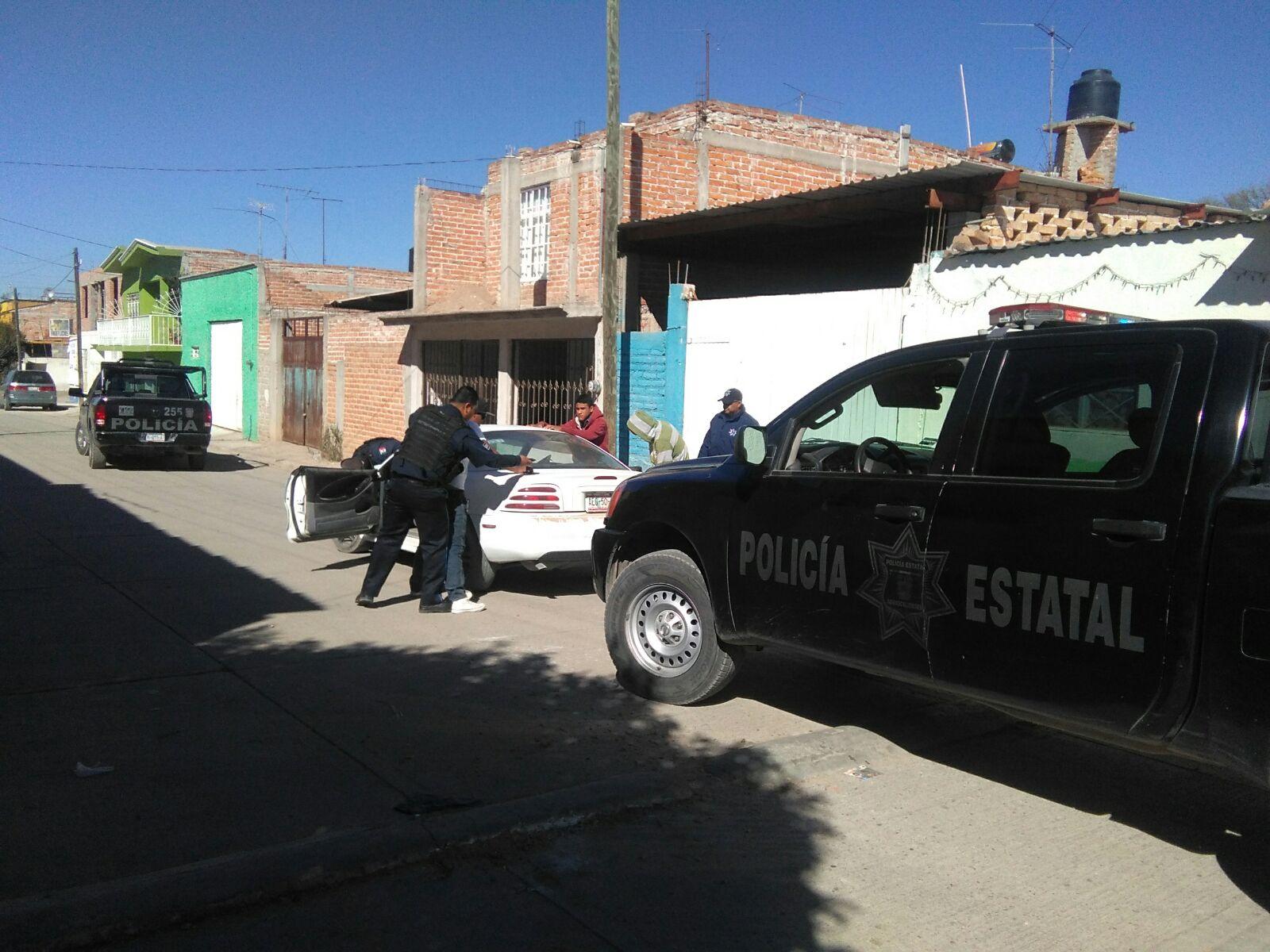 Detiene la estatal a sujeto que navajeó a padre e hijo en Rincón de Romos