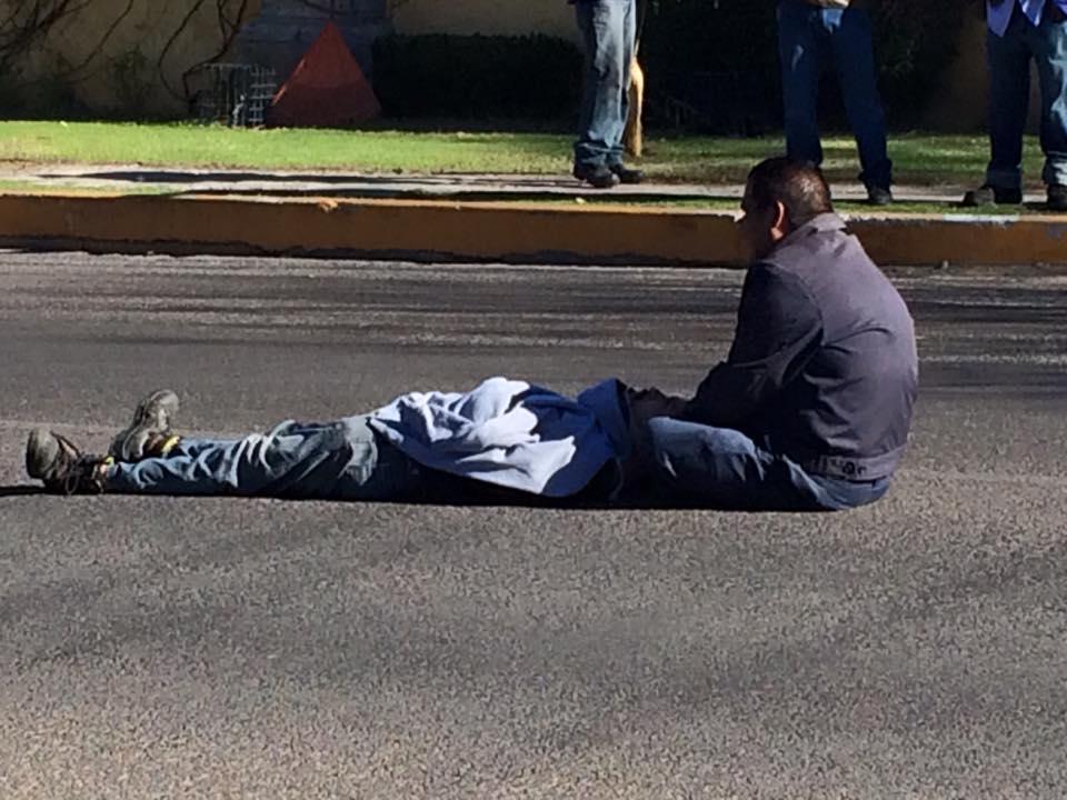 No hay ambulancias para trasladar a lesionados y policías no permiten trasladarlos