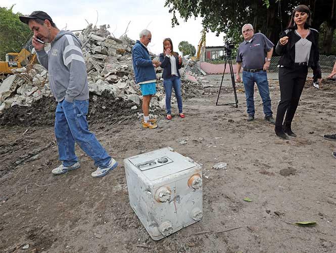 Encuentran segunda caja fuerte en casa de Pablo Escobar en Miami
