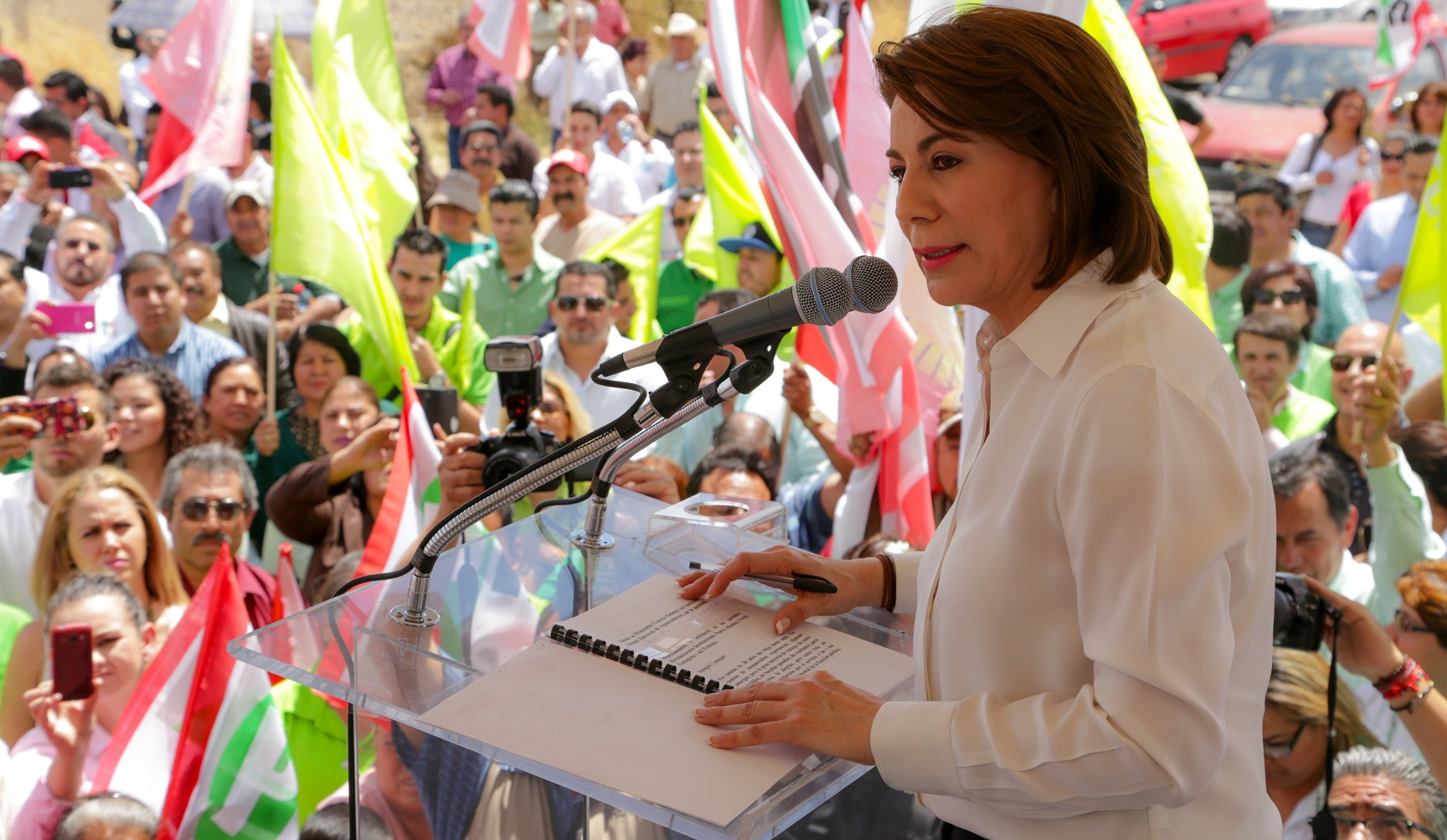 Se registra Lorena Martínez ante el IEE a la gubernatura de Aguascalientes