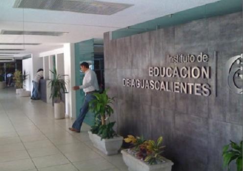 Plazas docentes entregadas por Paco Chávez provocarán problemas en el IEA