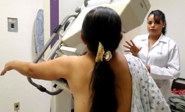 Anuncia el ISSEA pruebas gratuitas para detectar cáncer de mama