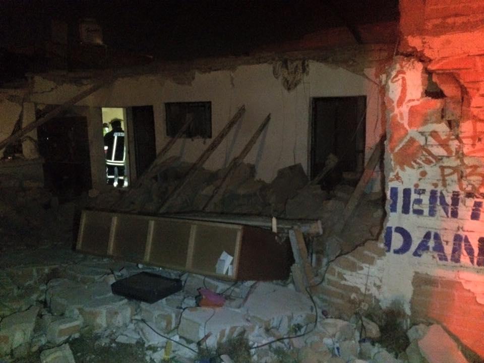 Explosión destruye casa en la Rodolfo Landeros, hay una mujer lesionada