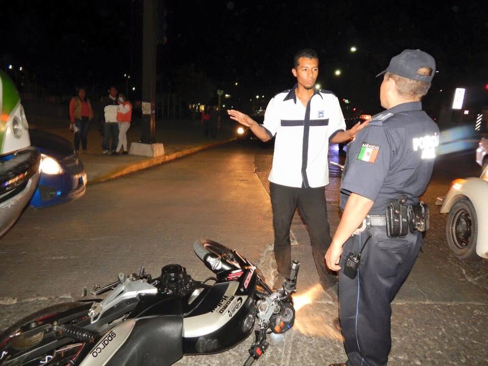 Urbanero embistió a motociclista en la Emiliano Zapata