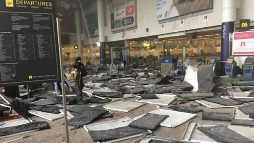 Identifican al sospechoso de ataques en Bruselas; el hombre del sombrero