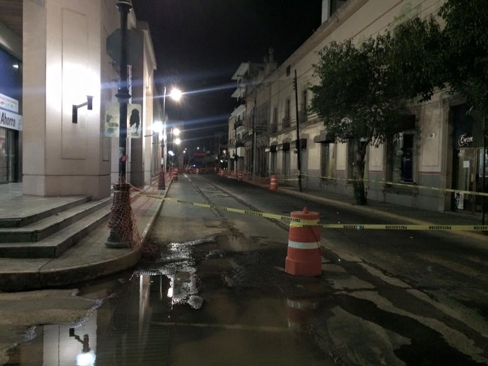 Sin aviso, cierran otro tramo de la calle Morelos