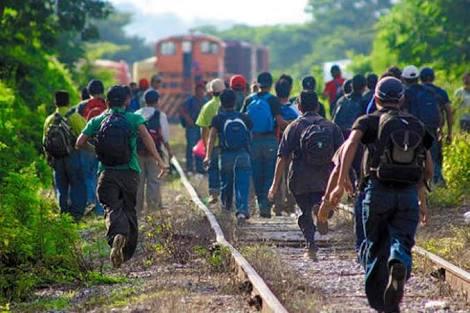 Inmigrantes hondureños dan golpiza a sujeto que intentó robarles en Cosío