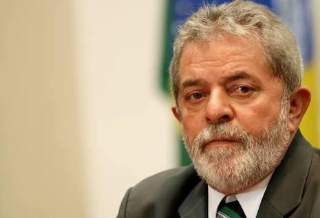 Sale de comisaría Lula da Silva tras declarar por caso Petrobras