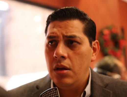 Minimiza Javier Luévano manifestación de taxistas en el Congreso de Ags