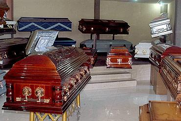 """Quebró la funeraria Tangassi y dejó """"bailando"""" a varios clientes en Ags"""