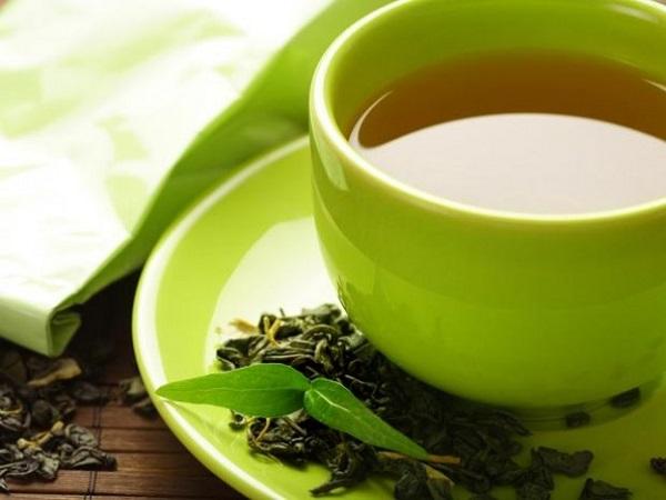 El té verde te puede ayudar a bajar la barriga
