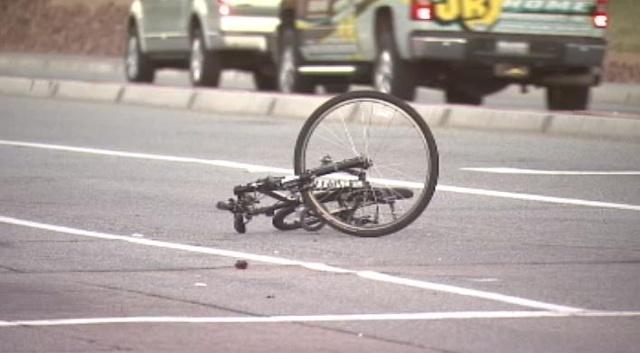 Agoniza sexagenario ciclista atropellado en la 45 Norte