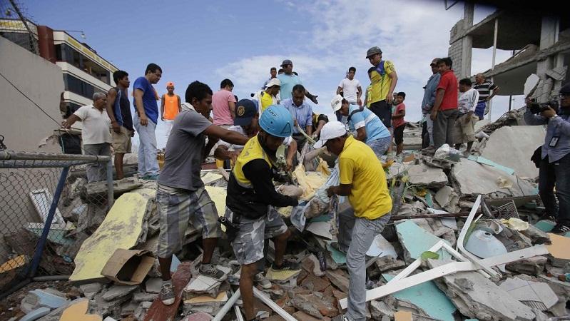 238 muertos dejó fuerte sismo en Ecuador