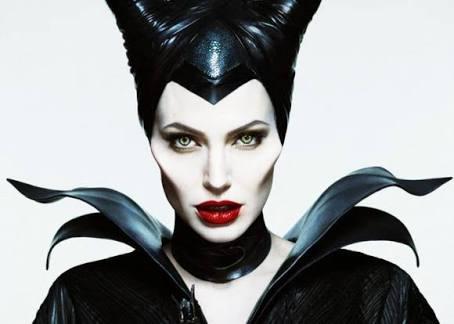Angelina Jolie estará en la segunda parte de Maléfica