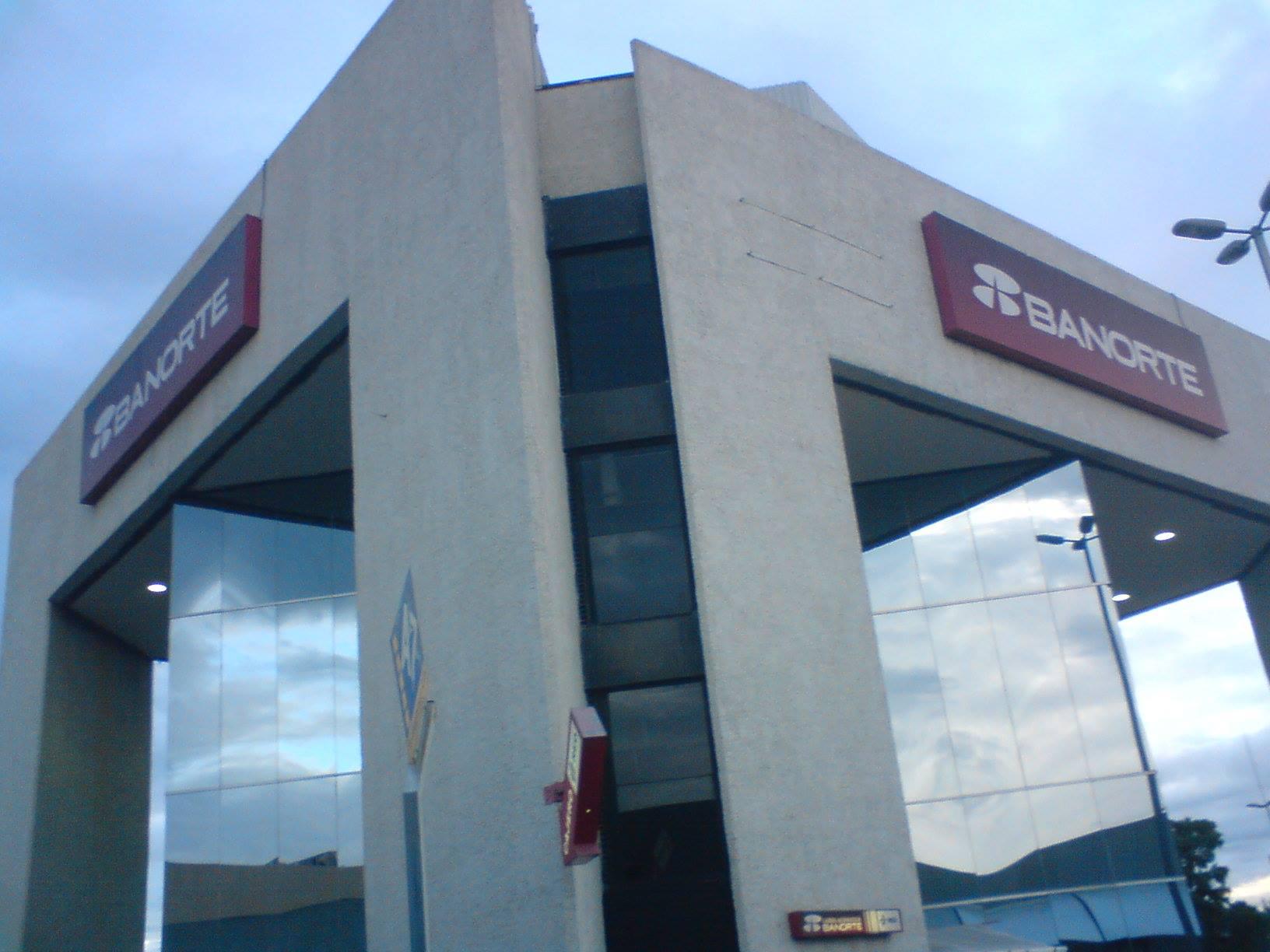 Otro asalto a un cuentahabiente bancario, ahora en el CC Villasunción