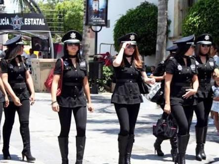 Ahora se lanzan contra Hidalgo Eddy por sexy policías de Querétaro