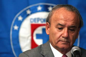 Tecnología en el fútbol solo sería viable en Copas del Mundo, Billy Alvarez